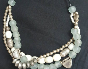 KASBAH Design, with antique african beads, Ethiopian silver-metal beads, white Agate from Nigeria