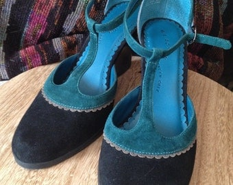 Beautiful Kenneth Cole Leather Wedge Teal Black Gray Strappies Size 7 1/2 med