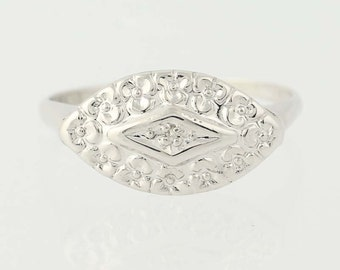 Vintage Diamond-Accented Ring - 10k White Gold Pansy Flower Blossoms N5758