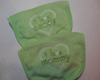 Baby Bibs, Set of 2 Bibs, I Love Mommy, I Love Daddy, Pastel Green Bibs, Gender Neutral Bibs, Embroidered Bibs, Baby Shower Gift Idea
