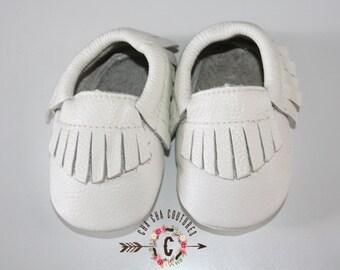 WOW! Snow White  Fringe Moccasins 100% genuine leather baby moccasins Mocs moccs