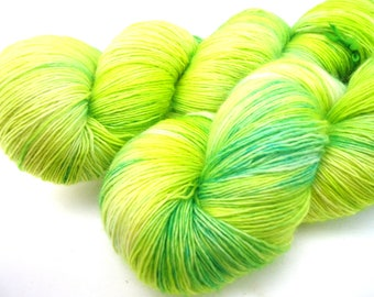 Hand dyed Merino Lace yarn hand painted: Fresh Green