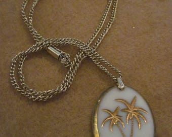 20% Off Sale!!! Vintage Beautiful W. Germany White Milk Glass & Gold Etched Palm Tree Pendant Necklace...#4471....50's/60's...