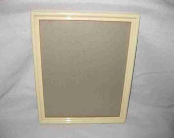 "Neat Vintage 9"" X 11"" Cream Early Plastic Picture Frame New Dell"
