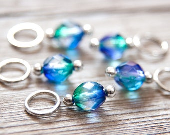 Snagless Stitch Markers // Knitting Markers // Green and Blue Glass // Set of 5 // Two Tone // Multicolor