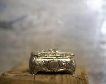 Vintage Fabric Lined Small Silver Jewelry Box // Flowers // Ring Box // Made in Japan