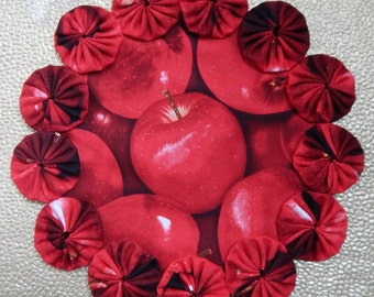 Red Apple Yo Yo Doily