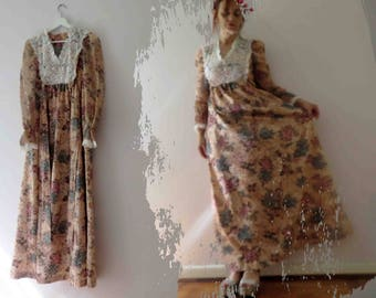70s Hydrangea Floral Maxi Dress Boho Small Lace Cotton Lawn