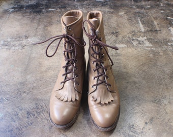 6 1/2 Women's / Western Lace Up Boots / VINTAGE Taupe Leather Ropers / Vintage Ankle Boots