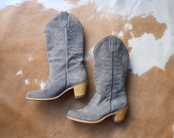 Size 8 / Grey Suede Cowboy BOOTS / Women's Western Boots / Vintage Shoes