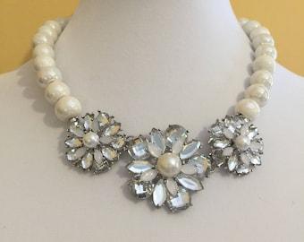 Floral bloom necklace