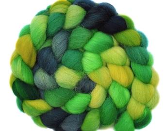 Hand dyed roving - Jacob Wool / Nylon 80/20% spinning fiber - 5.0 ounces - Bright Garden 1