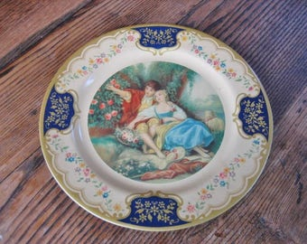 """Baret Ware Lithographed Tin Plate 10"""" The Idyll Romantic Lovers Cream Gold Blue 1950s Made in England"""