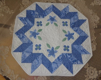 French Country Floral table quilt, Floral little quilt 0211-01