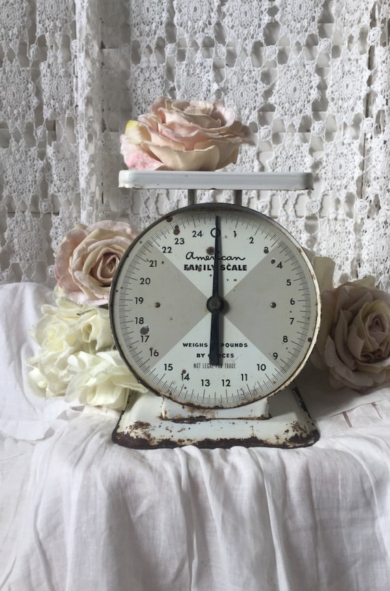 Shabby rustic kitchen scale family scale advertising scale for Rustic kitchen scale