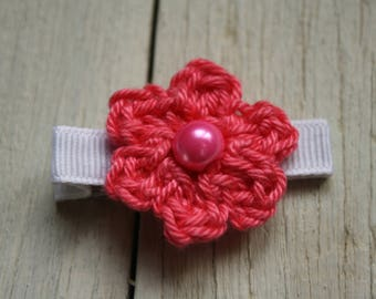 Crochet Flower Alligator Hair Clip in Salmon Pink with Non-Slip grip lining