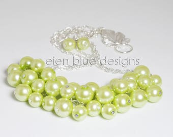 Honeydew Pearl Necklace, Light Green Cluster Necklace, Pale Green Necklace, Honeydew Pearl Necklace, Light Green Bridesmaid Chunky Necklace