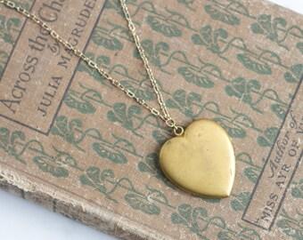 20s Vintage Large Sweetheart Locket Necklace Romantic Jewelry / Matte frosty yellow gold tone Photo Pendant Fob shabby / ELIZA MAE