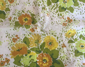 Vintage yellow, green and White Flower Full Sheet Set