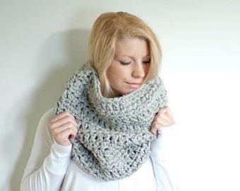 FLASH SALE the CHEROKEE cowl - chunky cowl scarf hood circle scarf - grey marble - slightly ribbed