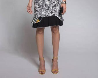 Short skirt with flowers - Floral skirt - Summer skirt with recycled materials - Black and white skirt with patchwork - Made in Quebec