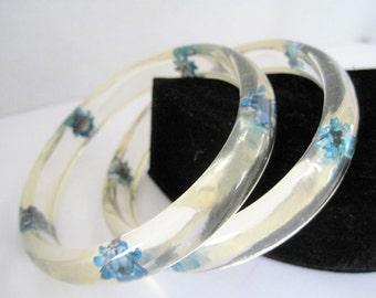 Reverse Carved Bangles - Blue Flowers Embedded - Vintage Retro Lucite - Pair of Bracelets