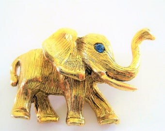 Hobe Elephant Brooch - Rhinestone Eye - Vintage Gold Tone 60's Collectible  Pin