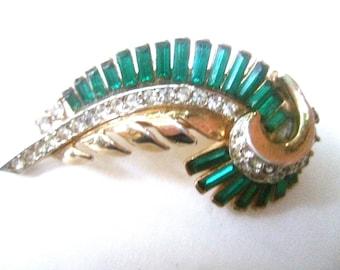 ART DECO Emerald Crystal Fur Clip Brooch c 1940s