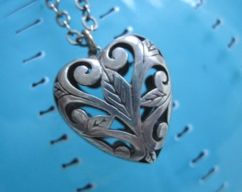 Vintage Silver Filigree Heart Necklace