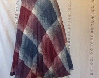 """True Vintage 1970's, Pleated, Wool, Knee Length Skirt, Women's Medium, 26"""" Waist"""