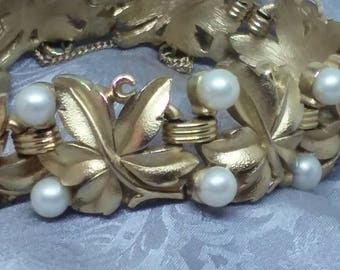 Trifari Crown  Vintage Gold Pearl Bracelet