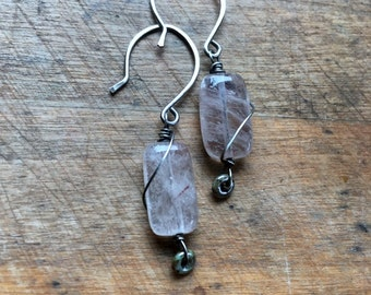 Rutilated quartz jewelry : handmade sterling silver earrings with quartz pillows and Czech glass rings