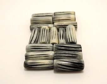 bone hand carved beads 25mm (12 pieces)