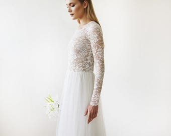 Round Neck-Line Long Sleeves Sheer Lace and Maxi Tulle 1152