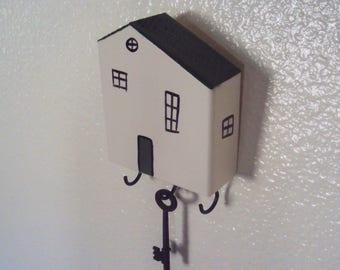 House Key Hanger - Primitive Hallway Wall Decor - Cottage Chic Folk House Key Holder - Decorative Key Hook - White & Green Cottage Key Rack