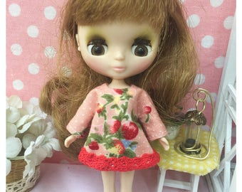"""Petite Blythe / Little Dal Outfit : """"Strawberry in Love Dress"""" (Dress)"""