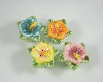 Four little flower salt and pepper shakers - Cupcake Shakers - Table Dinner Decor