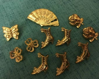 BUTTONS - 1970s Vintage New Acrylic Gold Victorian Theme Buttons (set of 11)