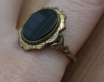 Beautiful antique 10k gold filled victorian / edwardian ring with black glass / KSOUQO