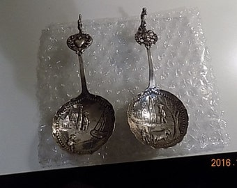 Dutch silver caddy spoons pair  18th 19th century