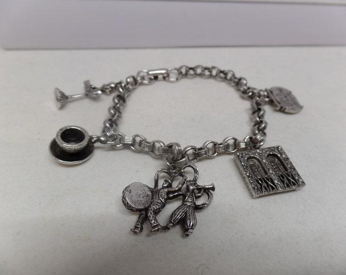 CORO Signed Vintage New Orleans Pirates Charm Bracelet