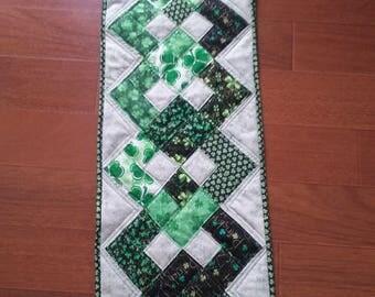 St Patrick/ Shamrock table runner/Luck of the Irish