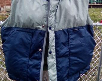 SALE Vintage 1980s Ski Cruiser Puffer Down Vest Blue Gray Grey,Chest 22'', zipper w/ overlap snaps , Ski Tow Tag Clip