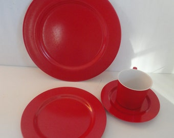 Vintage Red Oneida Deluxe Dishware Set, Oneida, Oneida Dishware, Camping Dishware, Dinner Plate, Cup Saucer, Dessert Plate, Melmac