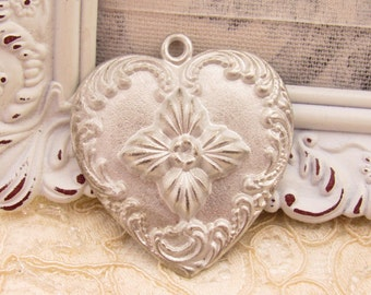 Large Ornate Heart Cast Pewter Victorian Scroll & Flourish Pendant - 1