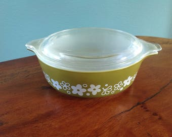 Vintage Pyrex Casserole Dish & Lid, Crazy Daisy Spring Blossom Pyrex, 16oz / 1 Pt Bowl 470-C,  Avocado Olive Green with White Print