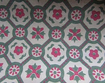Wallpaper Vintage Roll of Green and Red Wallpaper 1940s or 1950s