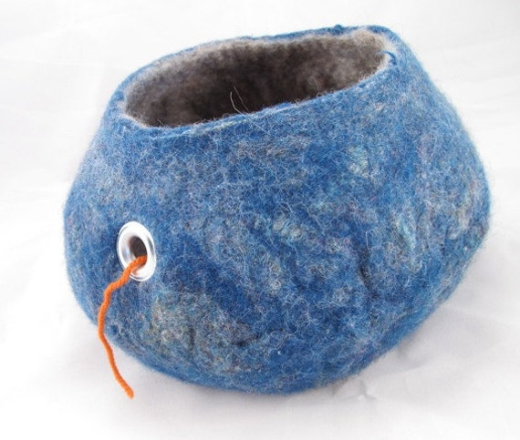 Felted yarn bowl Blue face leicester and merino wool wet felted bowl with grommet for use as yarn bowl for knitters or crochet