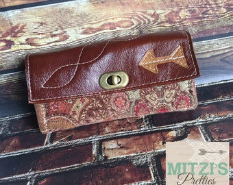 Mom Wallet w/ Zipper Pocket, 12 Card Slots & Leather Flap