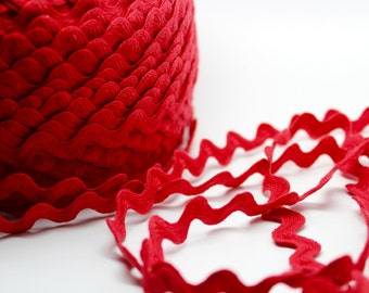 RED 5 yards ric rac - 1/2 inch - trim - papercraft - diy - party supplies - sewing - gift wrap - Valentines Day - Christmas